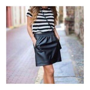 LOFT Faux Leather Skirt W/Pockets & Stretch Waist